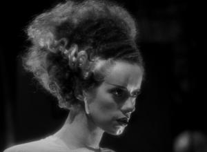 """Fotograma de """"La novia de Frankenstein"""" en la que vemos su icónico peinado"""