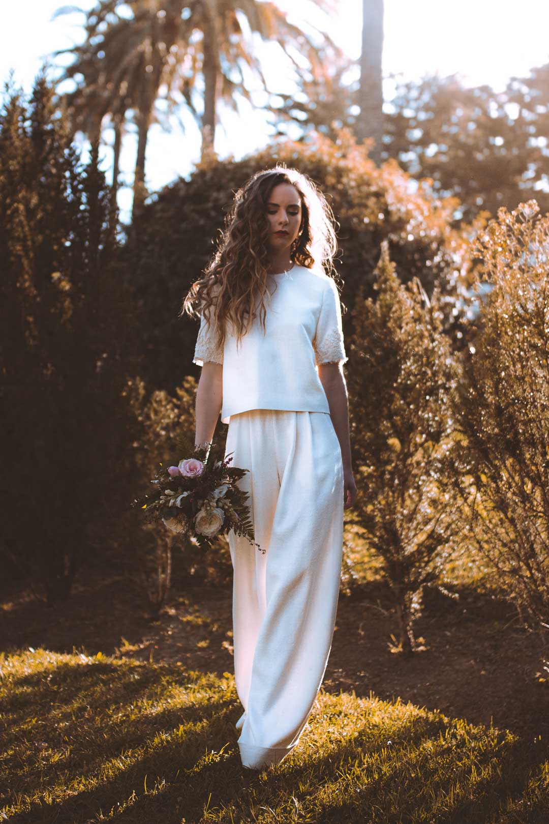 traje de novia con pantalón